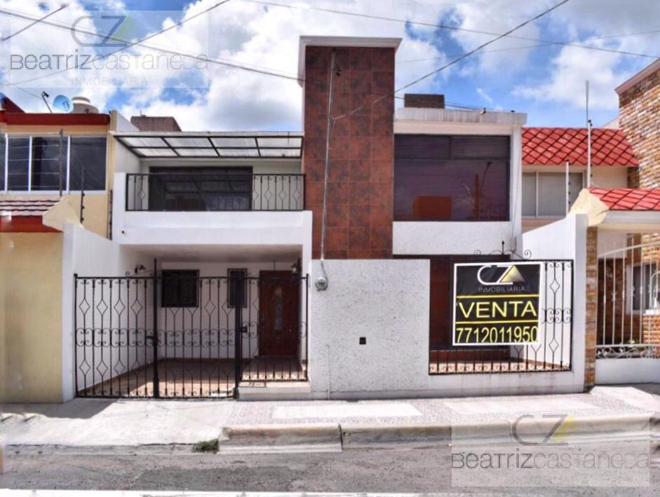 Foto Casa en Venta en  Fraccionamiento Valle de San Javier,  Pachuca  CASA DOS NIVELES CON RECAMARA EN PLANTA BAJA, SAN JAVIER , PACHUCA