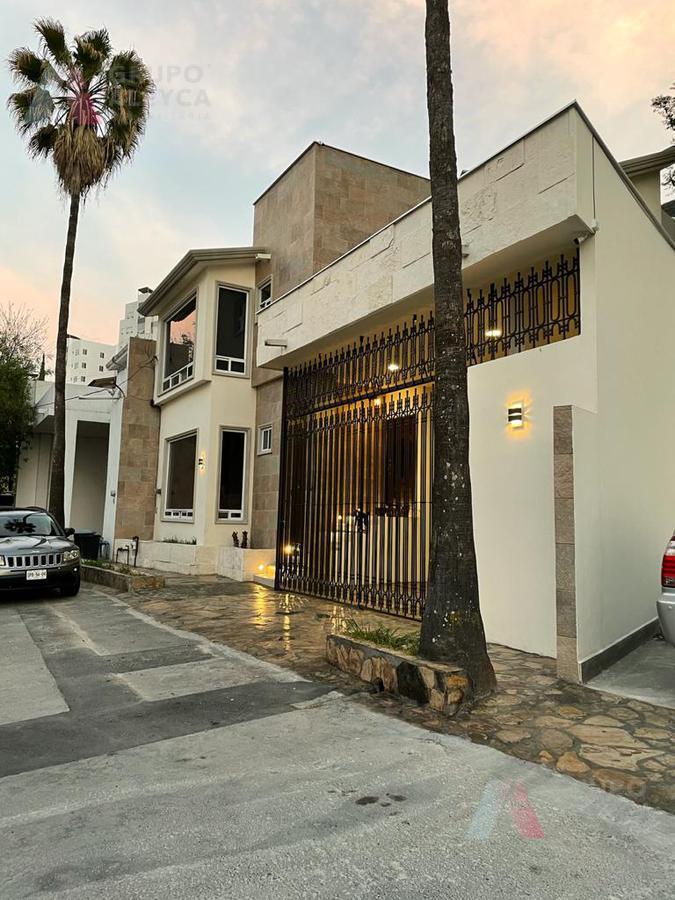 Foto Casa en Venta en  Lomas de Satélite,  Monterrey  Lomas de Satélite, Monterrey