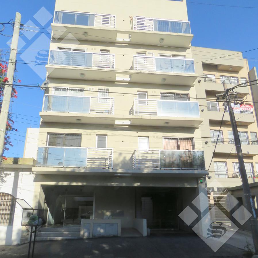Foto Departamento en Alquiler en  Moron Sur,  Moron  Belgrano al 900