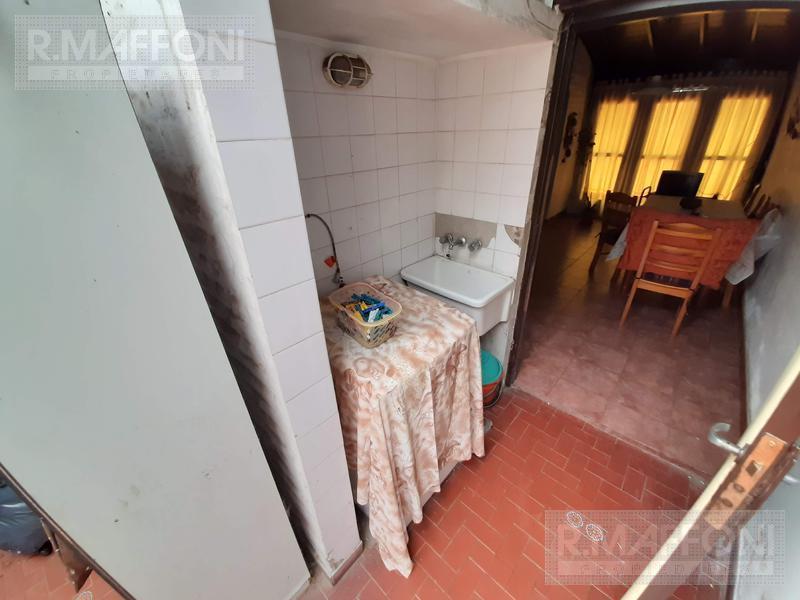 Foto Casa en Venta en  Adrogue,  Almirante Brown  Pje Gregorio Zorrilla al 200