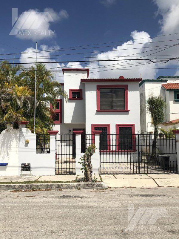Foto Casa en Venta en  Supermanzana 50,  Cancún  Casa en Venta y Renta,  SM 50, Cancún Q. Roo, 3 Recamaras, Clave CLAU35