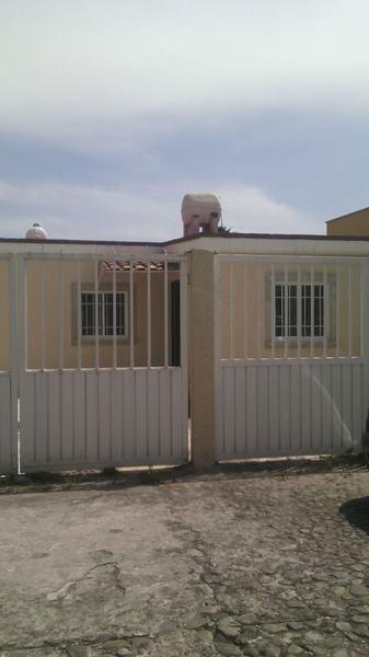Foto Casa en condominio en Renta en  La Herradura,  Metepec  CASA HABITACIÓN EN RENTA DENTRO DE PRIVADA UBICADA EN METEPEC, A DOS CUADRAS DE GALERÍAS METEPEC