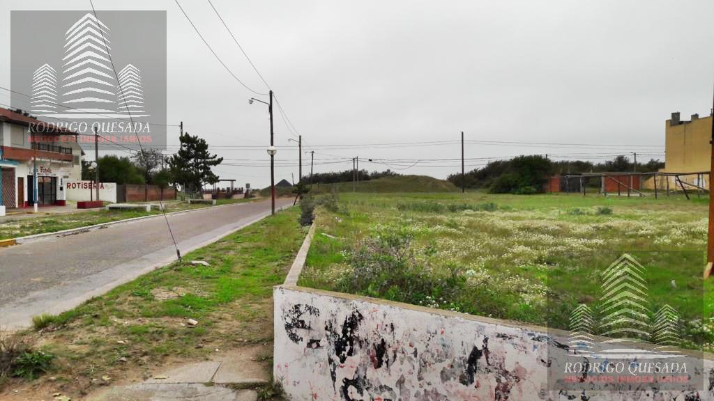 Foto Terreno en Venta en  La Lucila Del Mar ,  Costa Atlantica  Terreno de 2400 m2 en esquina!