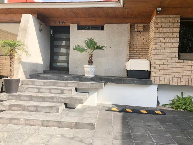 Foto Casa en Venta en  La Herradura,  Huixquilucan  Casa en venta  con 4 recamaras en La Herradura 2da. Seccion.