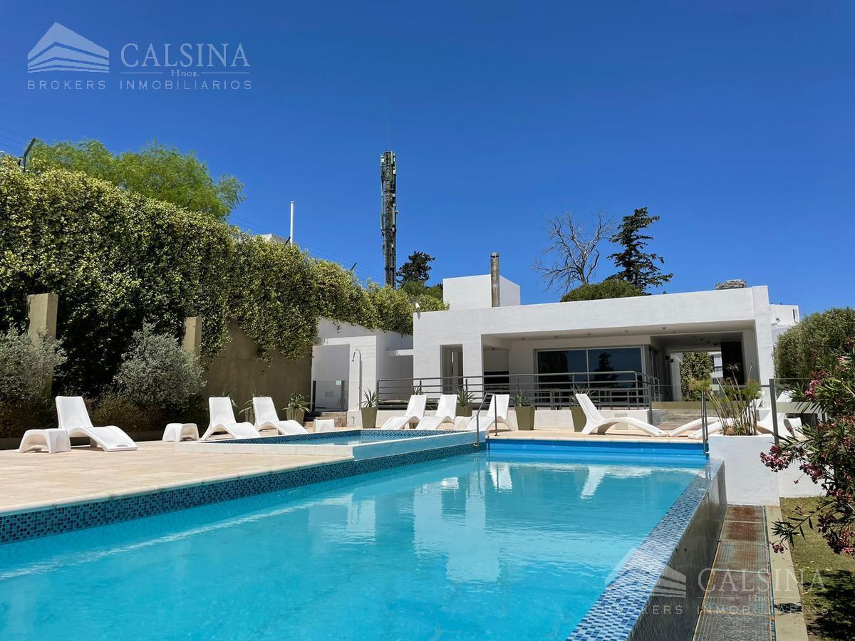Foto Departamento en Venta en  Casonas del Golf,  Villa Allende  Juan Jose Paso al 100