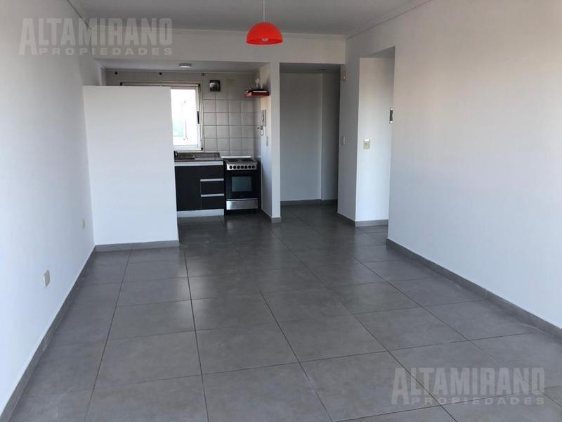 Foto Departamento en Alquiler en  Villa Ballester,  General San Martin  Libertad al 5100