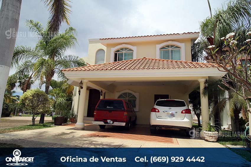 Foto Casa en Venta en  Fraccionamiento Club Real,  Mazatlán  Hermosa Residencia en Club Real