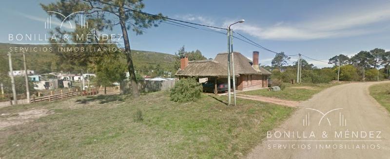 Foto Casa en Venta en  Barrio Country,  Piriápolis  Quincho en zona tranquila del Country, precio razonable