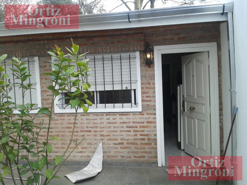 Foto Departamento en Alquiler en  Lomas de Zamora Oeste,  Lomas De Zamora  Santa Fe al 800