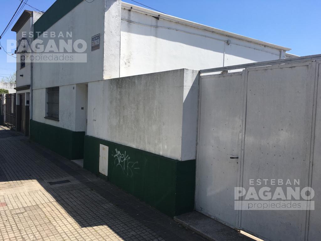 Foto Casa en Venta en  La Plata ,  G.B.A. Zona Sur  33 E/115 y 116 N°227