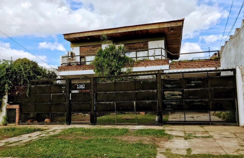 Foto Casa en Venta en  Ituzaingó ,  G.B.A. Zona Oeste  Las Heras al 1300