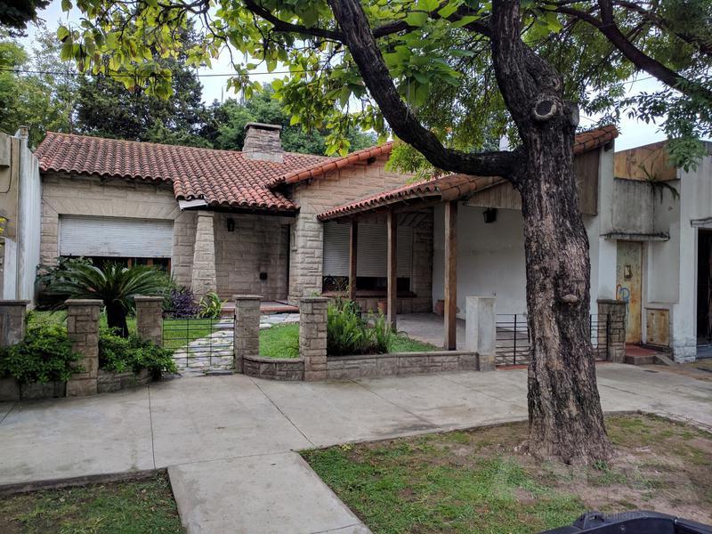 Foto Casa en Venta en  Merlo ,  G.B.A. Zona Oeste  Libertad al 200
