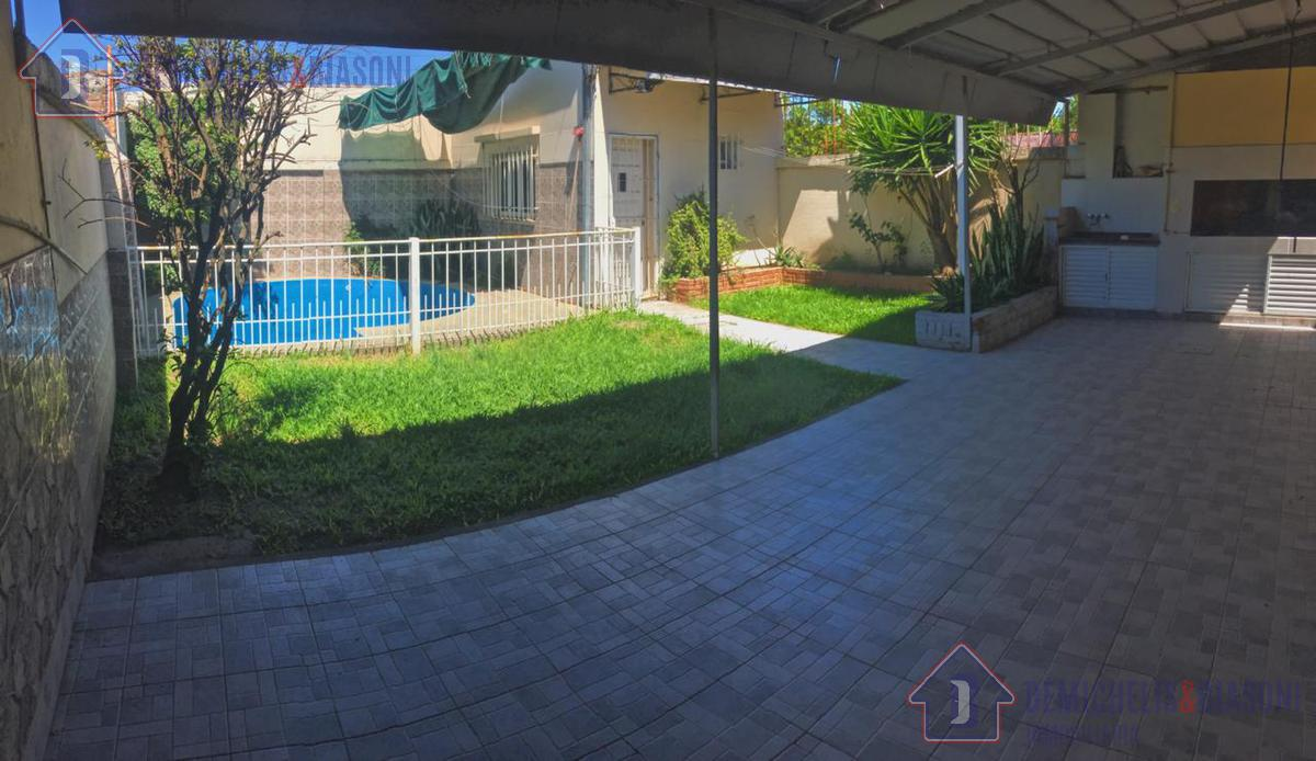 Foto Casa en Venta en  Santo Tome,  La Capital  Libertad al 2200