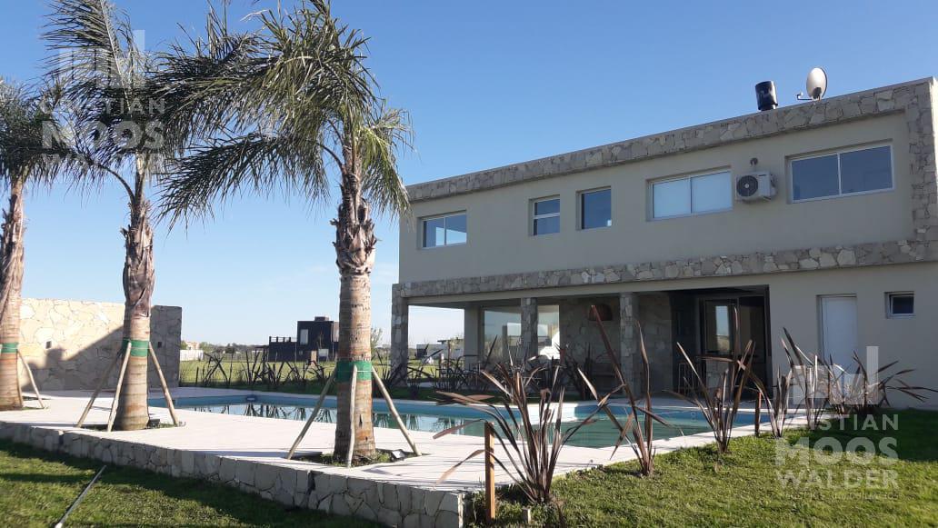 Foto Casa en Venta |  en  El Canton,  Countries/B.Cerrado  canton golf 72