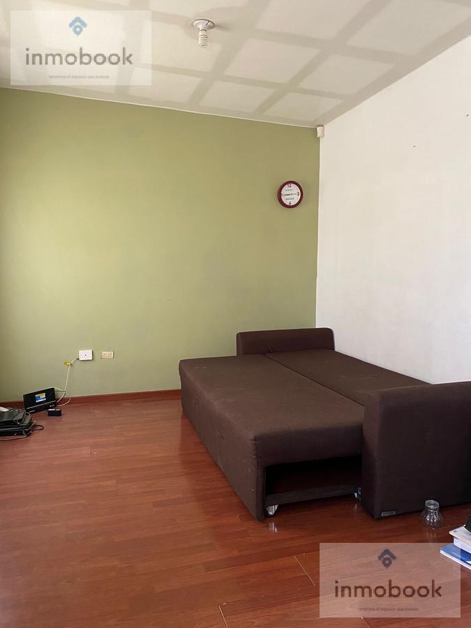 Foto Casa en Venta en  Fraccionamiento Los Encinos,  Chihuahua  Casa en Venta en Fraccionamiento Privado, por Av Huancune y Fsco Villa