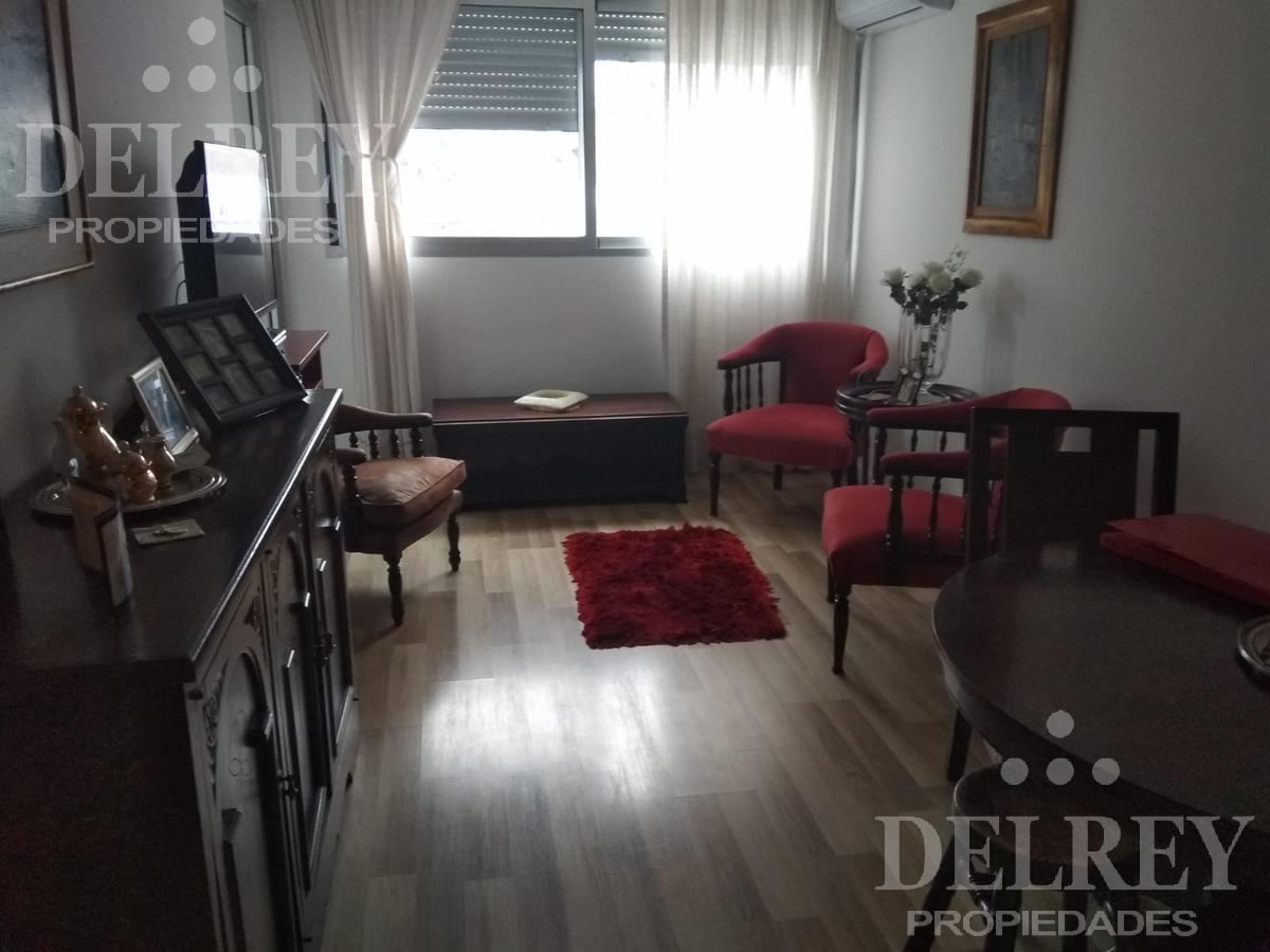 Foto Departamento en Alquiler en  Pocitos ,  Montevideo  21 de Septiembre  y Scosería Aprox