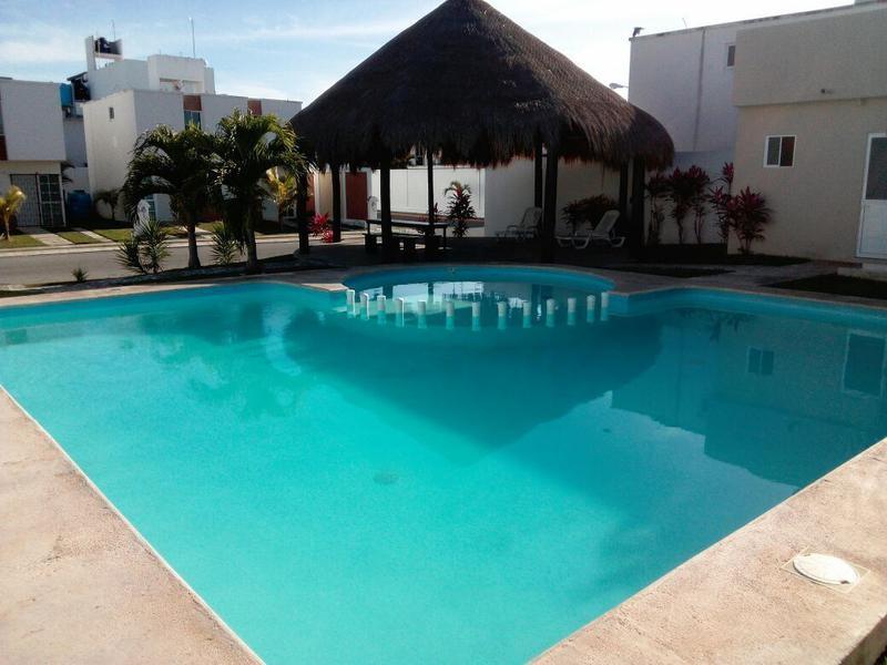 Foto Casa en Renta en  Playa del Carmen ,  Quintana Roo   Se renta hermosa casa 2 recámaras, sin muebles en Playazul, Playa del Carmen P2249