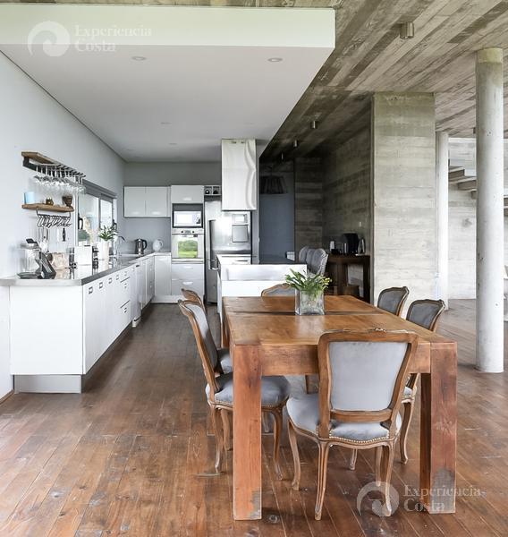 Foto Casa en Alquiler | Alquiler temporario en  Costa Esmeralda ,  Costa Atlantica  Barrio Residencial I