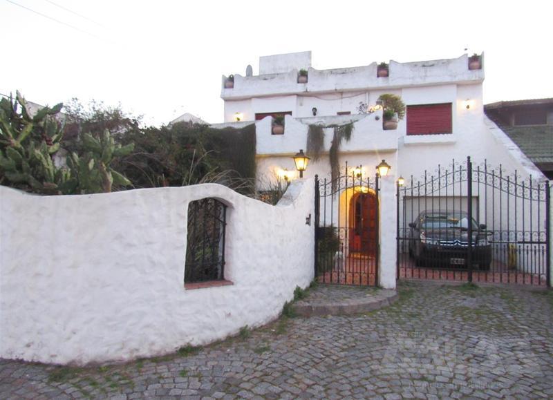 Foto Casa en Venta en  Don Torcuato,  Tigre  Riobamba 1563