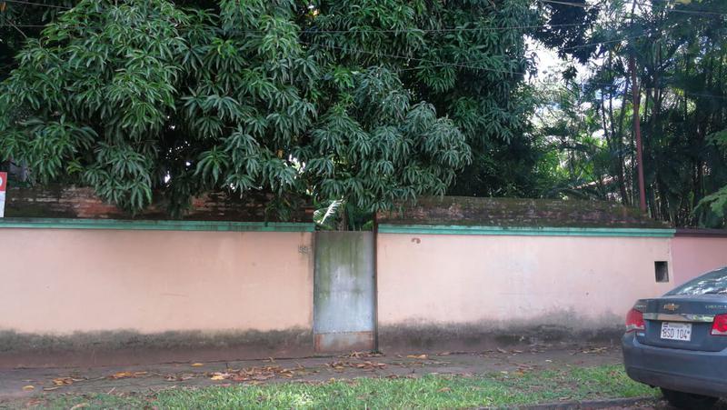Foto Terreno en Venta en  Las Carmelitas,  Santisima Trinidad  Vendo terreno de 15 x 80 zona Shopping del Sol