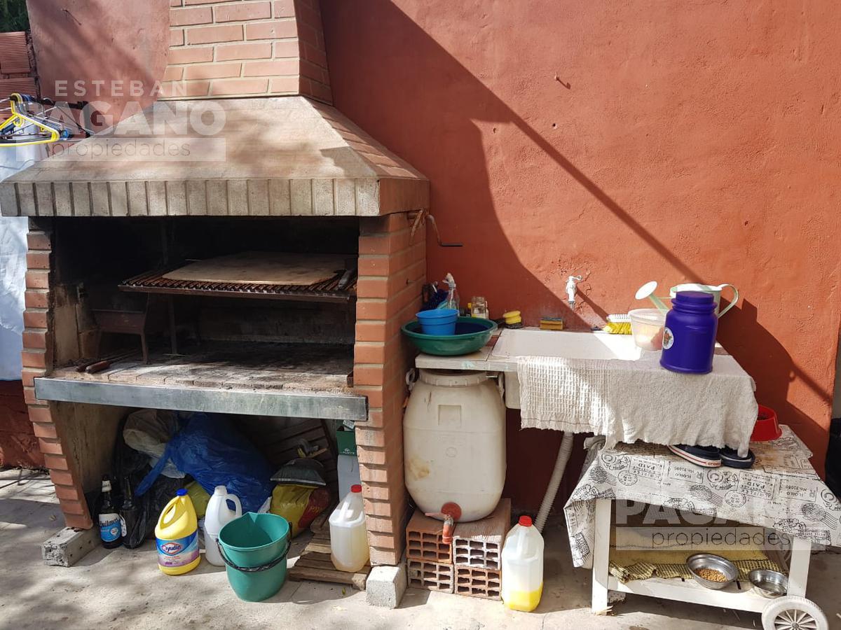 Foto Casa en Venta en  La Plata ,  G.B.A. Zona Sur  153 e 47 y 49 N 844