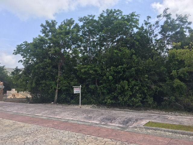 Foto Terreno en Venta en  Parque Residencial dos Lagos,  Capital Zona Sul  Lagos del Sol 24 Cancun terreno