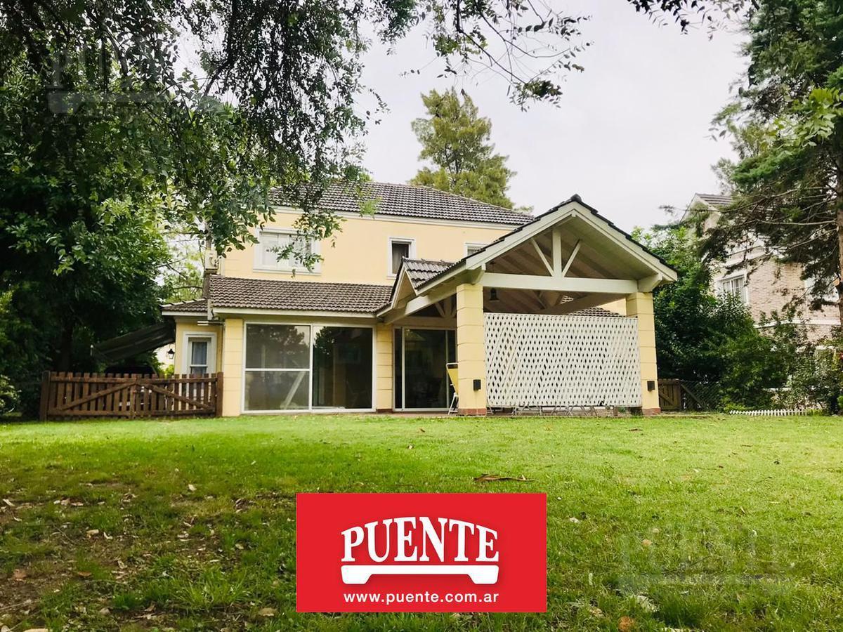 Foto Casa en Venta en  Saint Thomas,  Countries/B.Cerrado (E. Echeverría)  Saint Thomas Norte