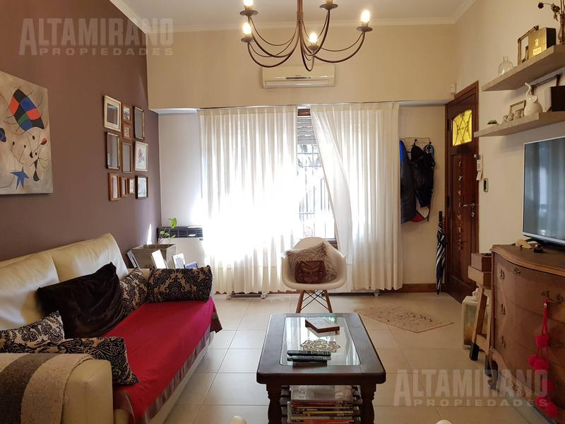 Foto Casa en Venta en  Villa Ballester,  General San Martin  La Torre al 6300 e/Siglo xx y Asamblea