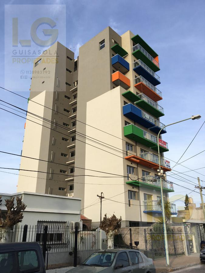 Foto Departamento en Venta en  Berazategui,  Berazategui  145  844