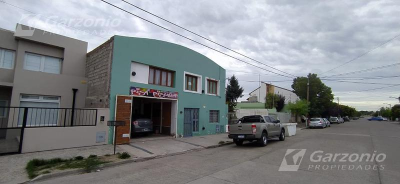 Foto Local en Alquiler en  Trelew ,  Chubut  Carrasco al 100