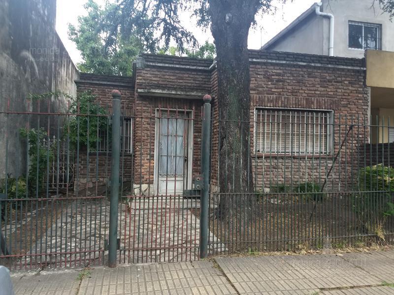 Foto Casa en Venta en  Burzaco Oeste,  Burzaco  Arenales 21