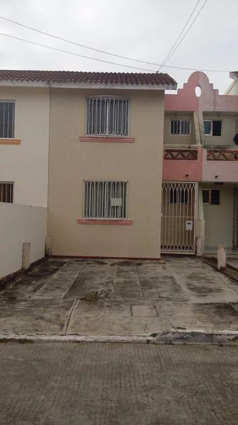 Foto Casa en Renta en  Rafael Díaz Serdan,  Veracruz  CASA EN RENTA LAURELES