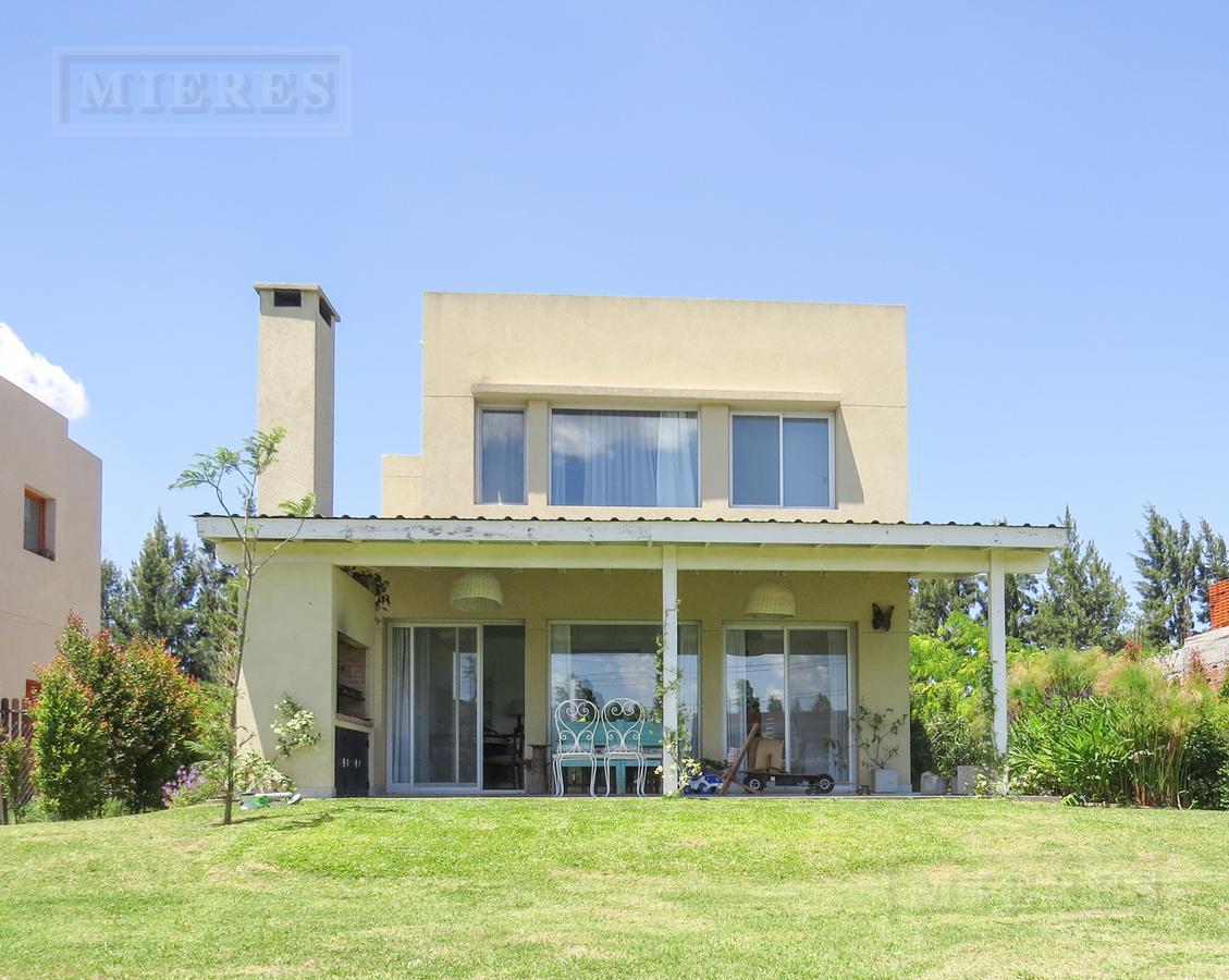 Casa en venta a la Laguna en  Barrancas de Santa Maria