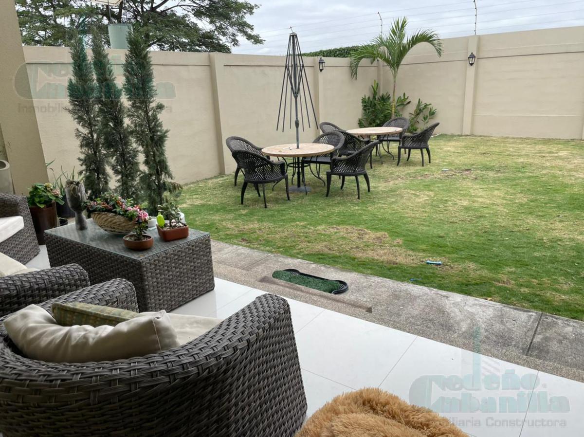 Foto Casa en Venta en  Samborondón ,  Guayas  VENTA DE LINDA CASA - KM 9 VÍA SAMBORONDÓN