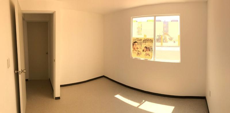 Foto Departamento en Renta en  Fraccionamiento La Estancia,  Irapuato  Departamento Renta La Estancia $2,900 Cardia EQG1
