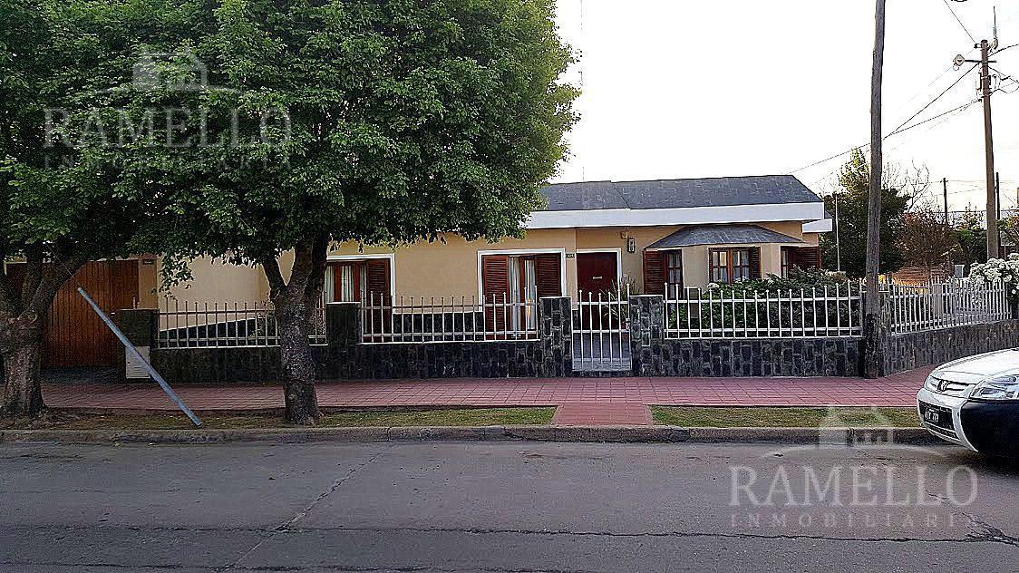 Foto Casa en Venta en  Abilene,  Rio Cuarto  Goudard al 1000