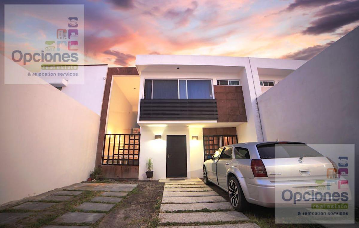 Foto Casa en Venta en  Salamanca ,  Guanajuato  Residencial Las Glorias