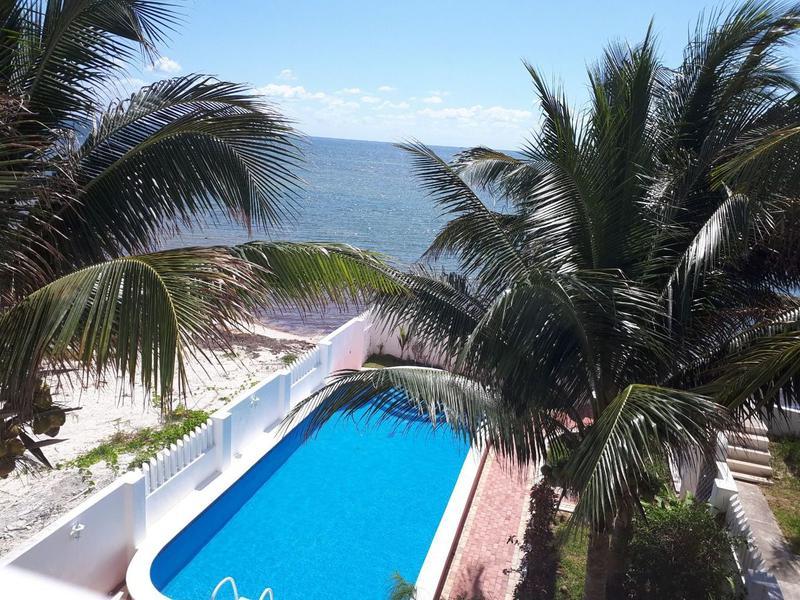 Foto Casa en Venta en  Puerto Morelos,  Puerto Morelos  EN VENTA CASA 5 HAB FRENTE AL MAR  EN PUERTO MORELOS P1004
