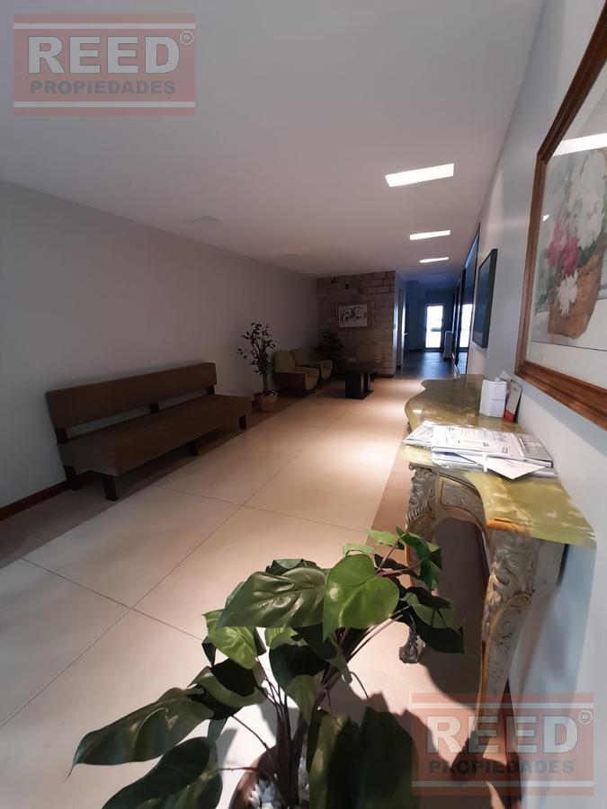 Foto Departamento en Venta en  Mart.-Vias/Santa Fe,  Martinez  Ladislao Martínez al 200