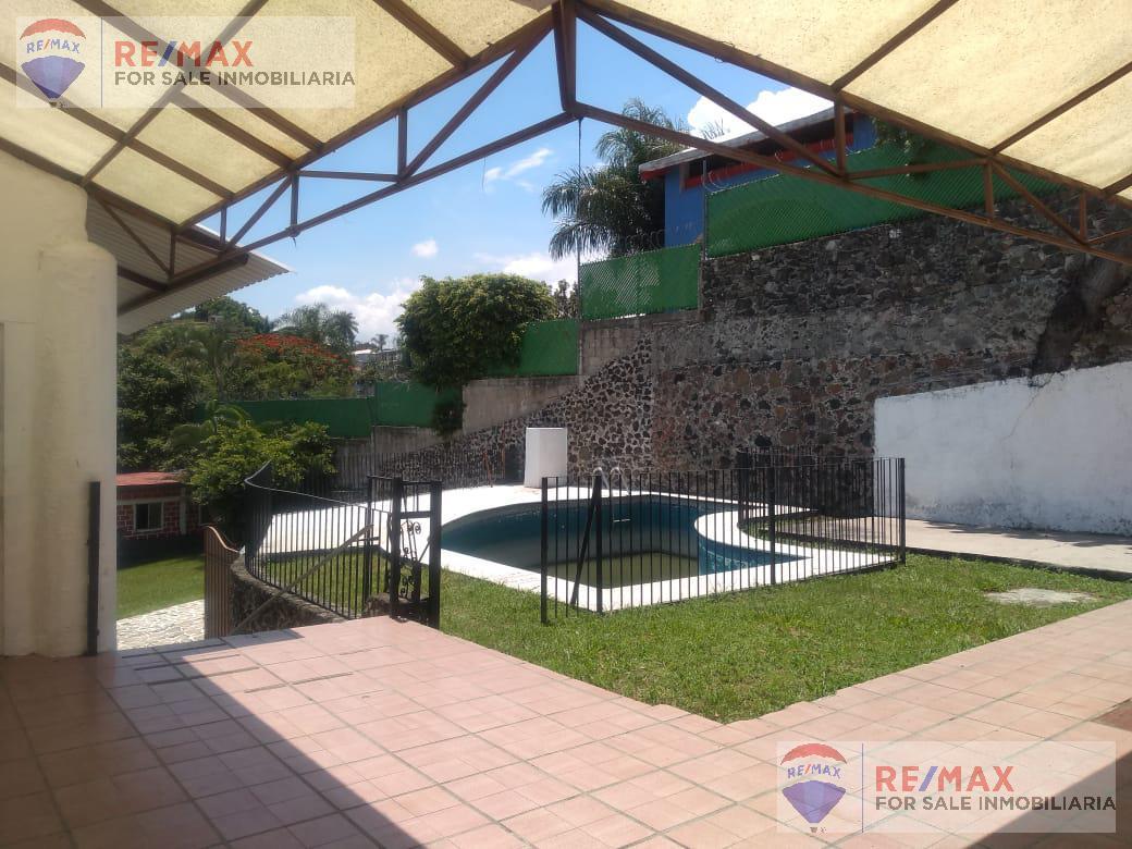 Foto Terreno en Venta en  Las Palmas,  Cuernavaca  Oportunidad! Se vende como terreno, Col. Palmas, Cuernavaca…Clave al 3600