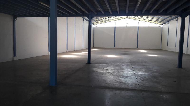 Foto Bodega Industrial en Renta en  San Rafael,  Escazu  Se alquila bodega en Guachipelin Escazu