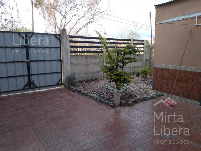 Foto Casa en Venta en  Berisso ,  G.B.A. Zona Sur  37 (ex 96) e/ al 100
