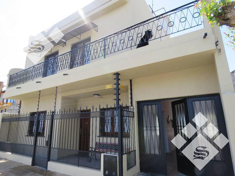 Foto Casa en Venta en  Ituzaingó Norte,  Ituzaingó  Leon Bloy 700