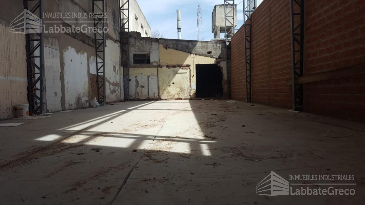Foto Nave Industrial en Venta | Alquiler en  Villa Lynch,  General San Martin  San Martin al 1400