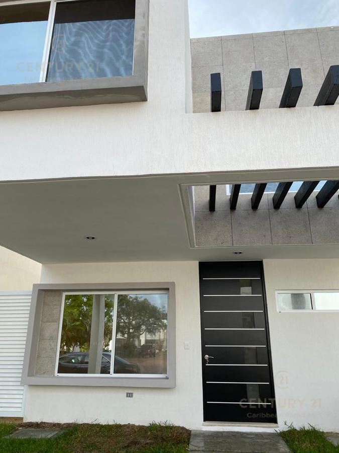 Jardines del Sur House for Rent scene image 1