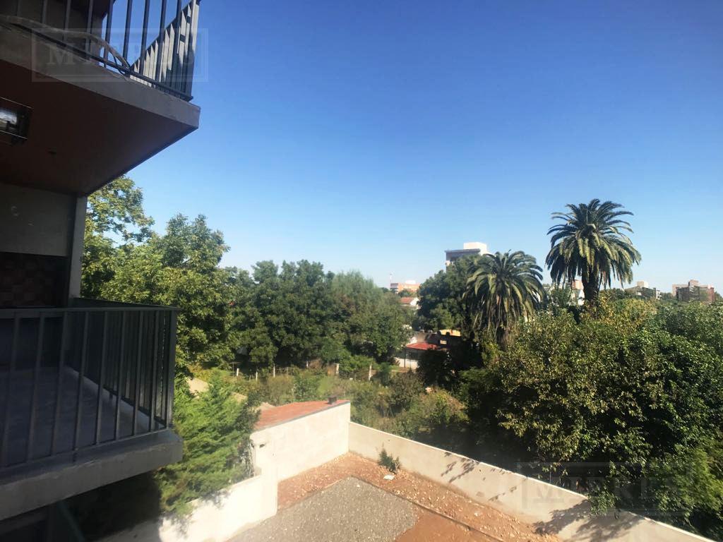 Boulevard Saenz Peña - Depto. en venta