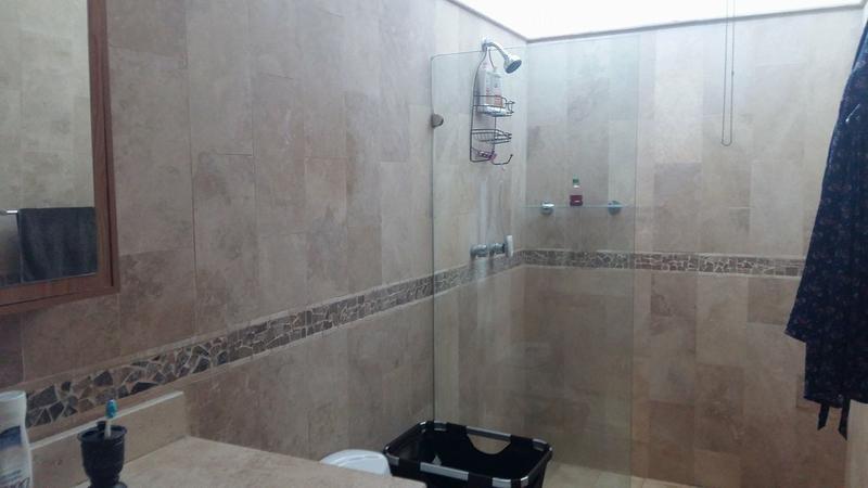 Foto Casa en Venta en  Perla,  La Paz  CASA PERLA