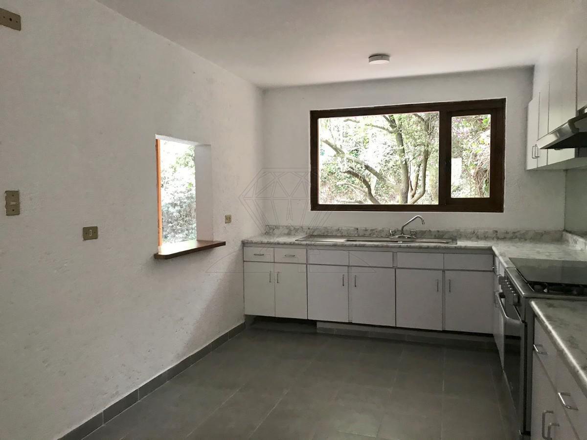 Foto Casa en Venta en  Lomas de Reforma,  Miguel Hidalgo  Lomas de Reforma, Nevado de Sorata, casa sola en calle cerrada a la venta (MC)