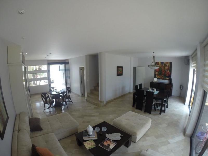 Foto Casa en Venta en  Samborondón,  Guayaquil  VENTA DE OPORTUNIDAD VILLA VIA SAMBORONDON ZONA TORNERO