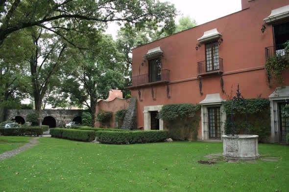 Foto Casa en Venta | Renta en  Villa Coyoacán,  Coyoacán  IMPACTANTE, EN  VIVEROS DE COYOACAN, HERMOSA,EN VENTA ESTILO HACIENDA